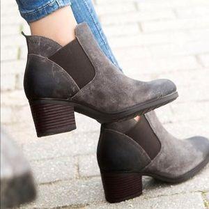 🆕 Rockport NIB Danii Chelsea Ankle Booties Sz 7.5